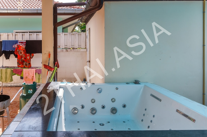 Pattaya Tropical Village, Pattaya, East Pattaya - photo, price, location map