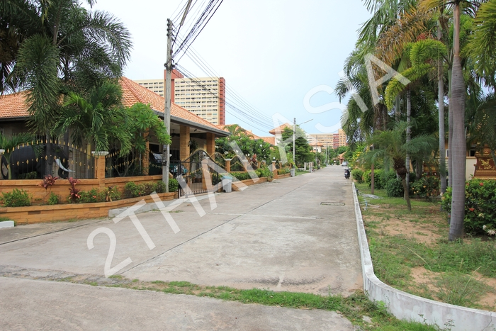 The Grand Lotus Place, Pattaya, Jomtien - photo, price, location map