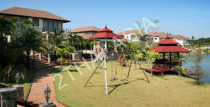 Phoenix Lakeside Pool Villas, Pattaya, Huai Yai - photo, price, location map